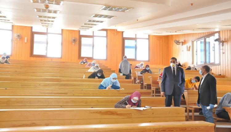 طلاب الفرق النهائية بالجامعات