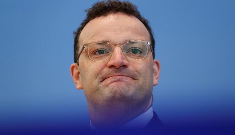 ينس شبان وزير الصحة الألماني
