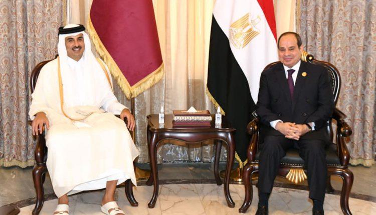 جانب من المحادثات بين الرئيس السيسي وأمير دولة قطر