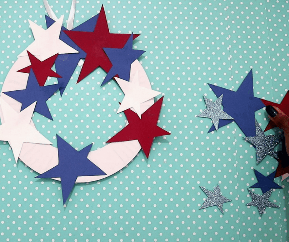 Patriotic Paper Plate Wreath - a summertime or 4th of July craft for kids