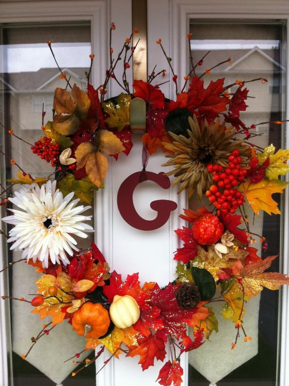 Fall family bucket list - make a wreath for your door
