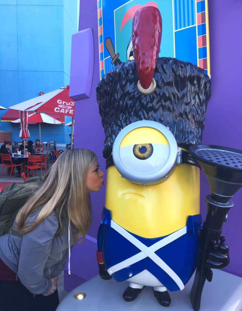 I had to stop a kiss a minion at Universal Studios Hollywood while walking to Harry Potter. Bello!