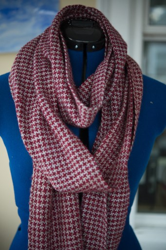 red-houndstooth-4
