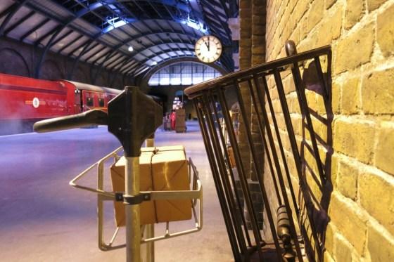 luggage trolley_1518