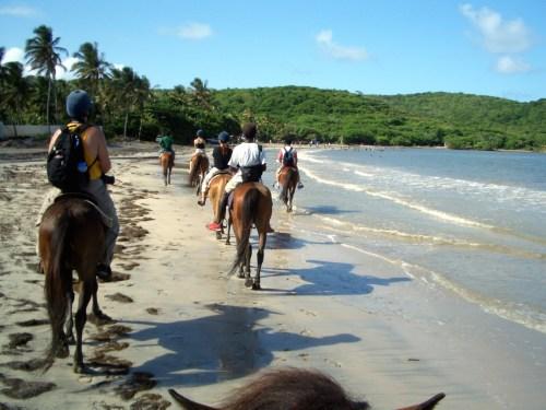 Cas en Bas beach