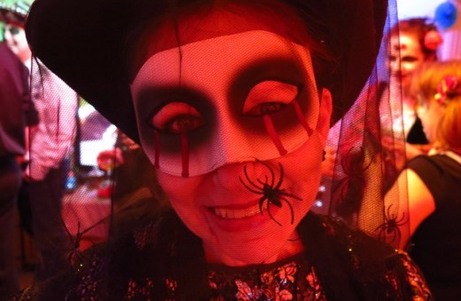 woman in Black Widow fancy dress Halloween costume