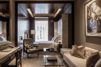 Executive room at the Four Seasons Hotel London at Ten Trinity Square. Courtesy ofFour Seasons Hotel London at Ten Trinity Square.