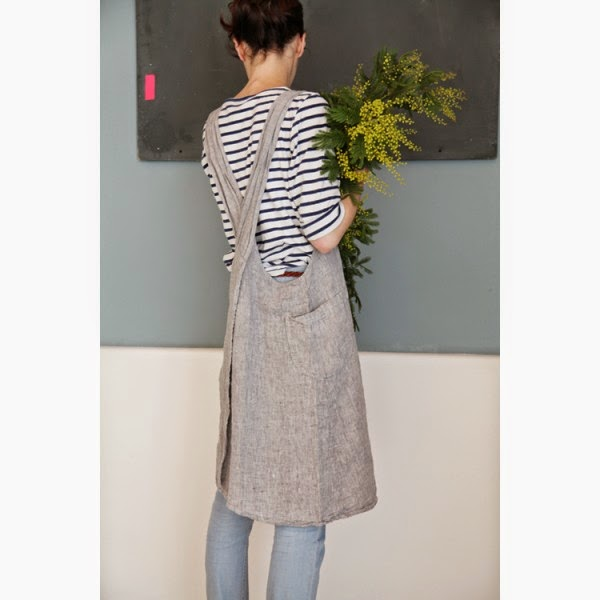 japanese-washed-linen-apron-light-gray-mottled