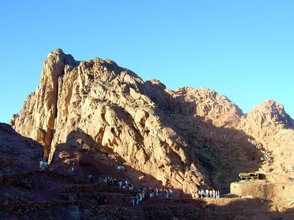 The summit of Mount Sinai in Egypt. Photo by Wikipedia user Tamerlan