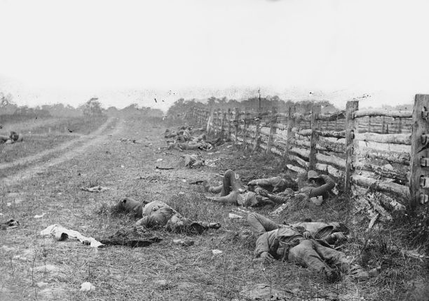 Confederate soldiers lie dead in the aftermath of the Battle of Antietam. Library of Congress photograph by Alexander Gardner.