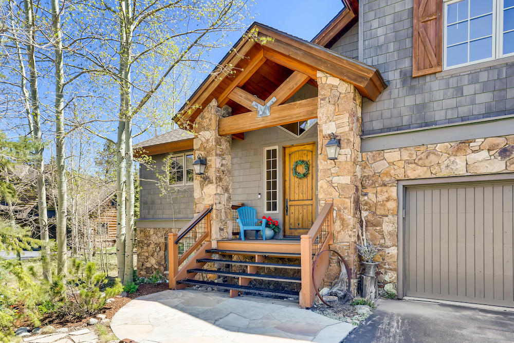 555 Wooden Canoe Dillon CO-002-002-Exterior Front Entry-MLS_Size