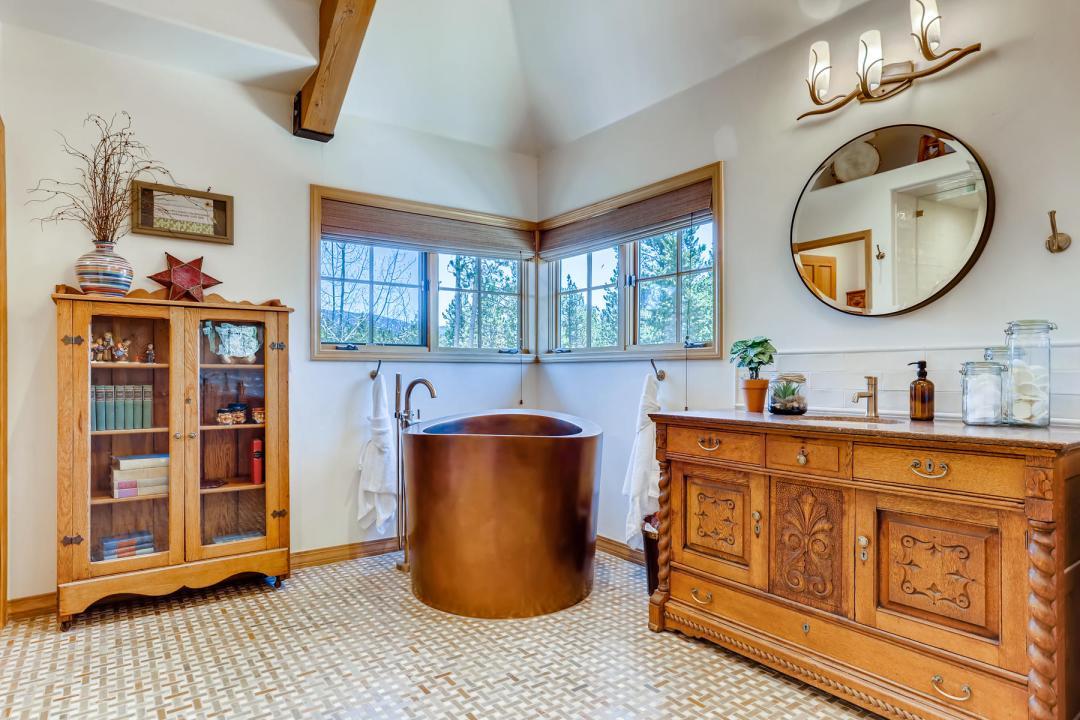 555 Wooden Canoe Dillon CO-020-033-Lower Level Master Bathroom-MLS_Size