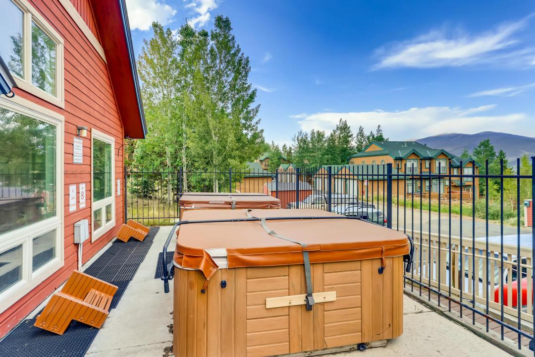 Wildernest Condo For Sale Hot Tub