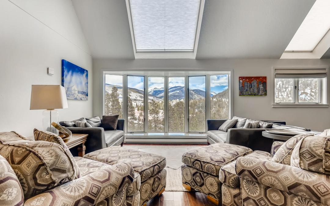 5 BR + Office / 4 BA Townhome for Sale in Keystone CO