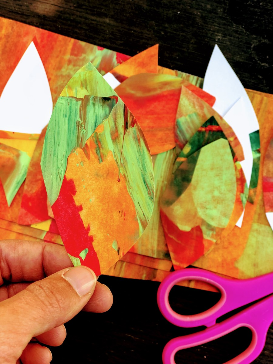 Here is a really simple way to make marbled paper for a kids Fall crown. Find out how we made leaves and a paper crown with some really simple colors.