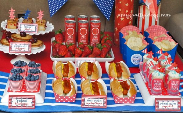Fun Fireworks Tailgate ~ perfect way to celebrate your 4th of July!   #fourthofjuly #fireworks #tailgate party ideas from #AmysPartyIdeas   #Swoozies