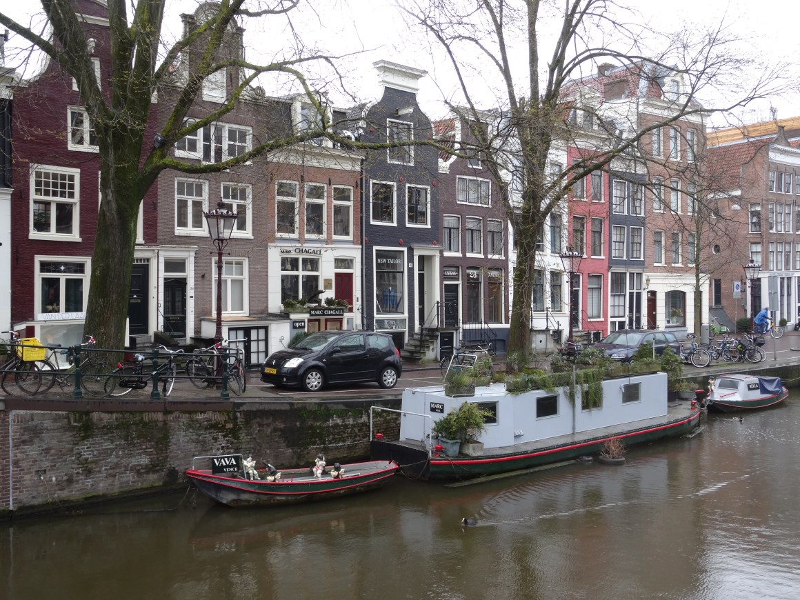 Amsterdam canal and architecture