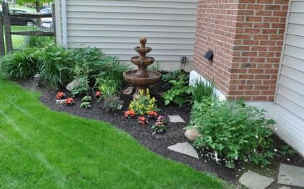 Modern and Contemporary Front Yard Landscaping Ideas 23