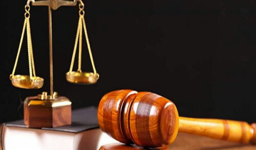 A Mapo Customary Court in Ibadan on Wednesday dissolved a 33-year marriage between one Taiwo Dosumu and his wife, Omolara, due to threat to life.