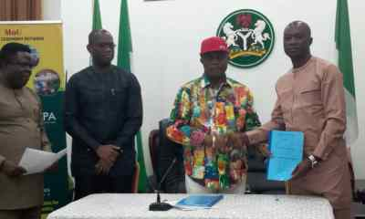 Gov Willie Obiano has on behalf of the Anambra State Government signed a Memorandum of Understanding (MoU)with Sonny Peace Ltd -a private firm for the establishment of a factory for the manufacture of hair cosmetics.