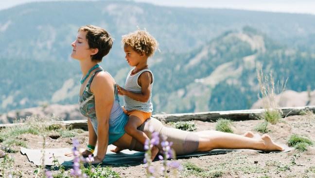 mothers-yoga