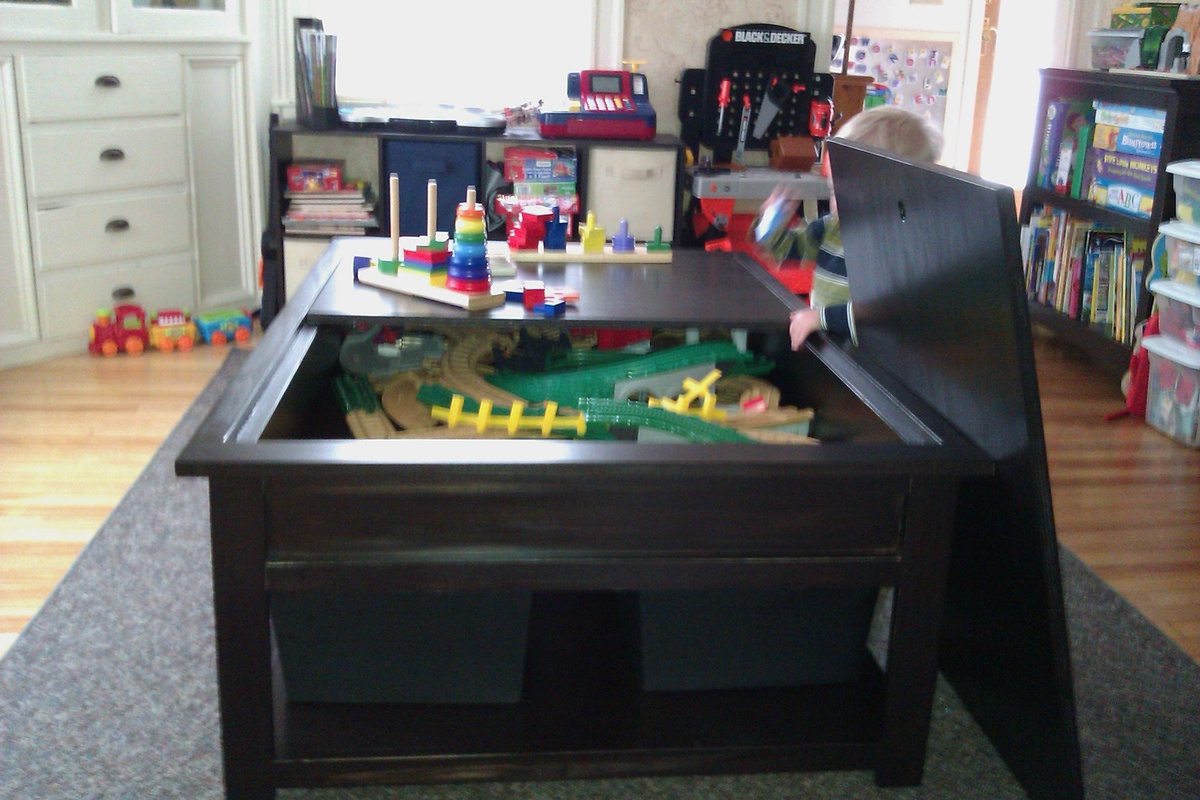 train table plans with storage