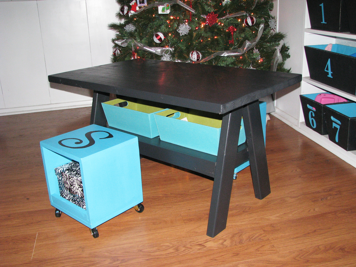 Kids Trestle Table - DIY Projects