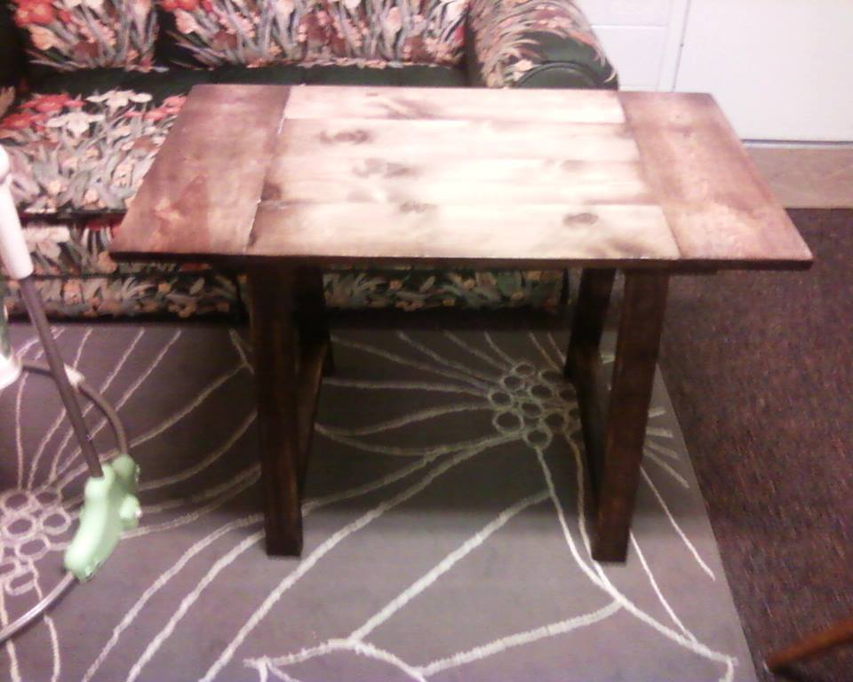 Simple Trestle Table - DIY Projects