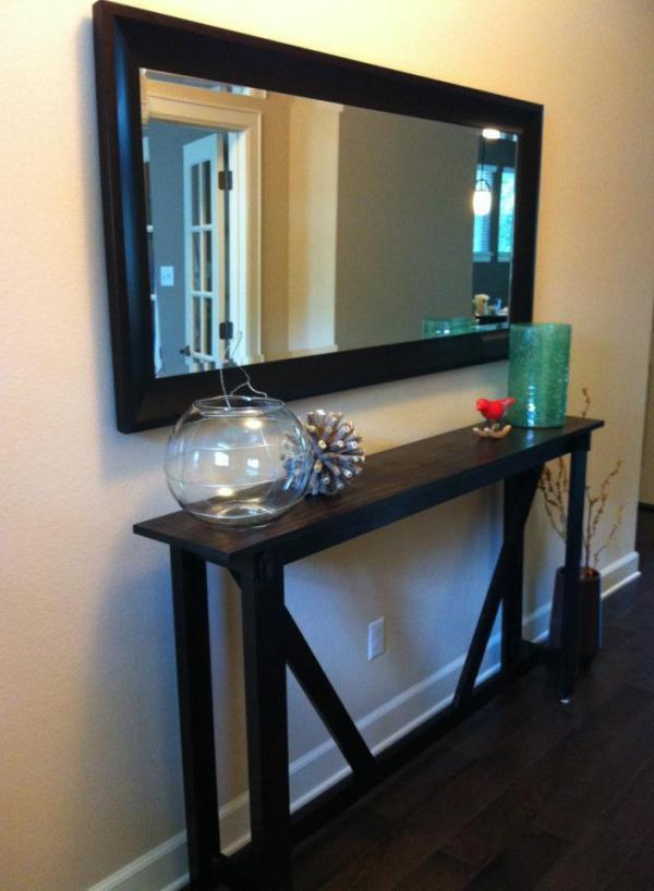 Grand miroir dans l'entrée