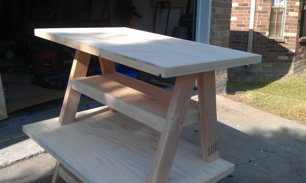 Trestle Table - DIY Projects