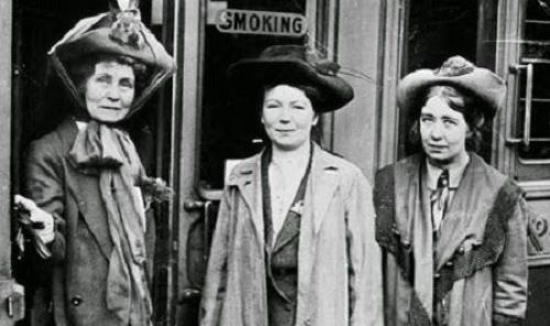 emmeline-pankhurst con sus hijas