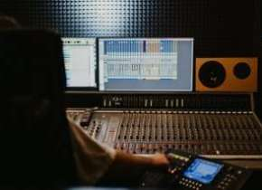 10 Ways Rappers Can Use Free Rap Beats To Build An Audience