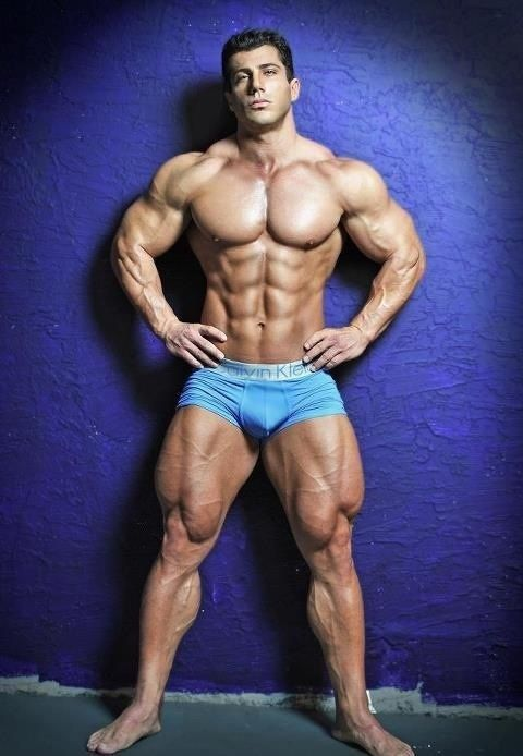 muscular-guy-deca-durabolin