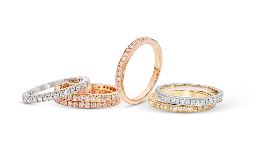 Bei Anadolu Juweliere in Düsseldorf finden Sie Trauringe zu fairen Preisen.