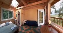 Comfortable and stylish bunkhouse with a great view