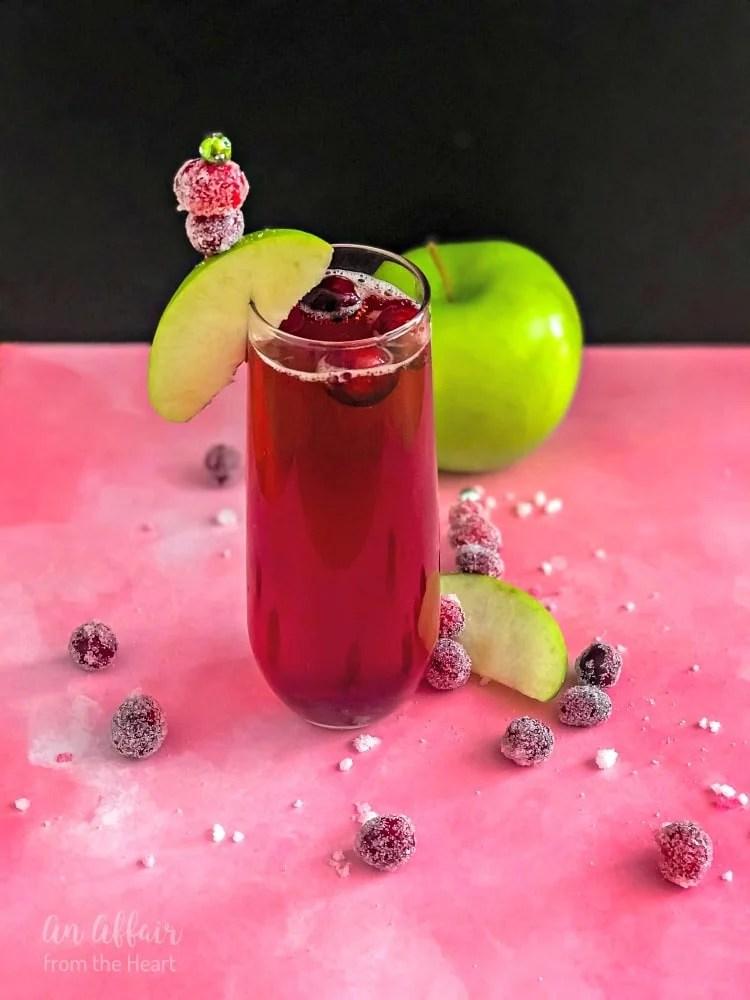 CranApple Fizz Cocktail