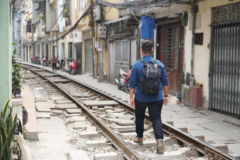 Hanoi Train Street_Gaston Luga
