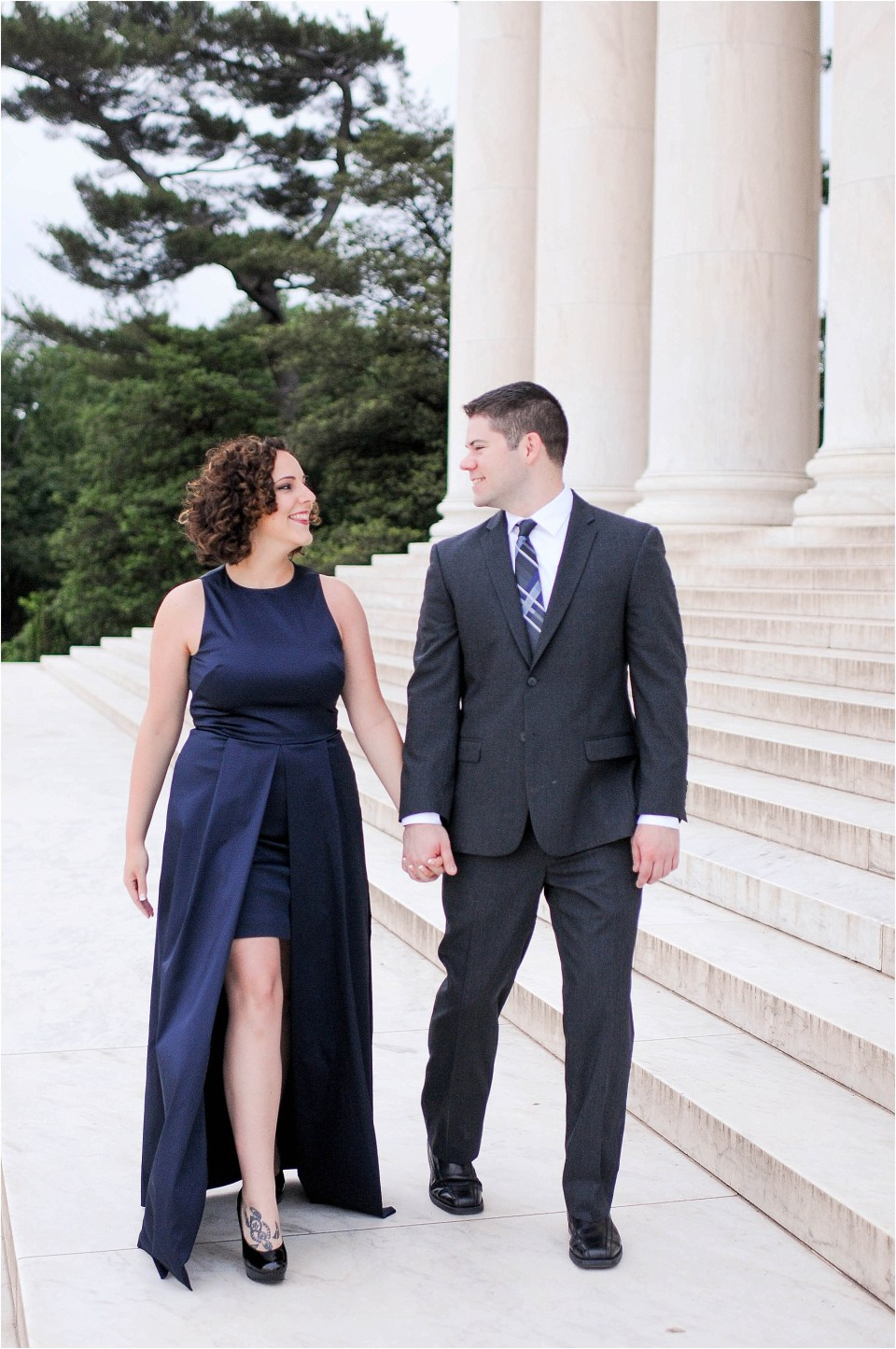 Classic Washington DC engagement session at the Jefferson Memorial3