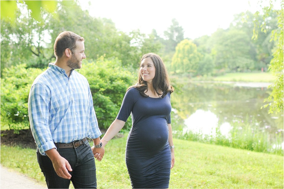 Maternity photos at Meadowlark Botanical Gardens, VA | Ana Isabel Photography26