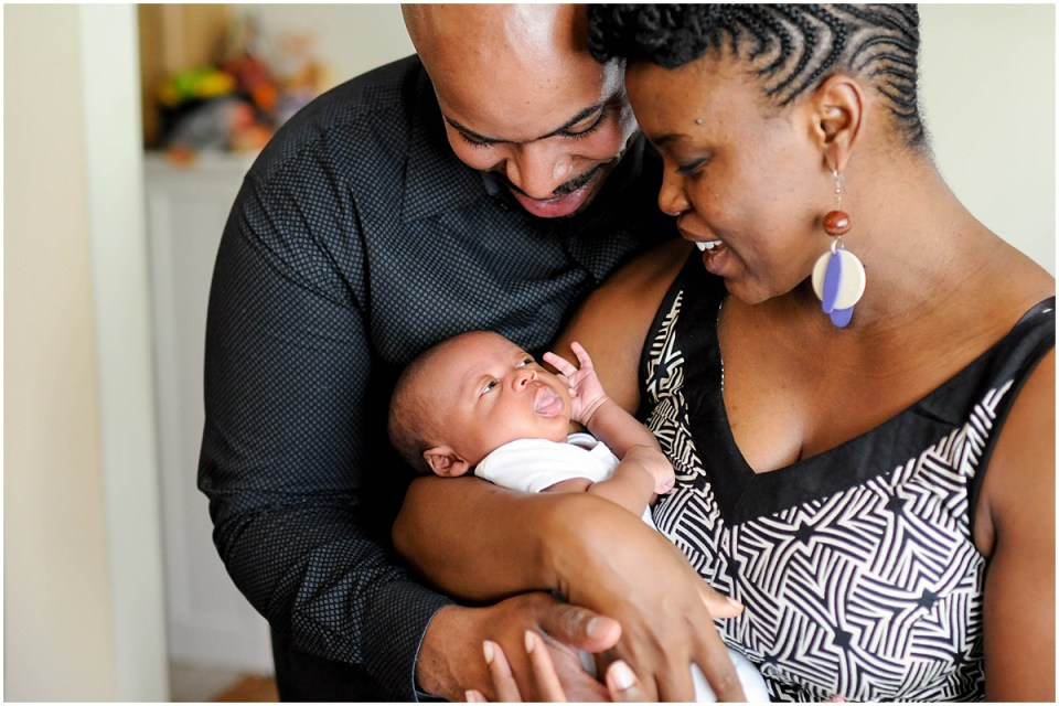 At home family portrait with newborn | Ana Isabel Photography | Washington DC photographer 12