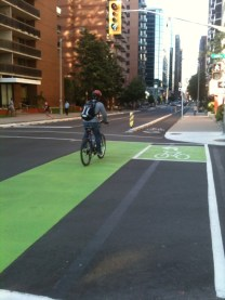 Bicycle_lanes_in_intersection_ottawa_2011
