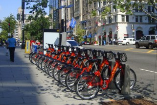 Capital Bikeshare rental station near McPherson Square Metro (WM