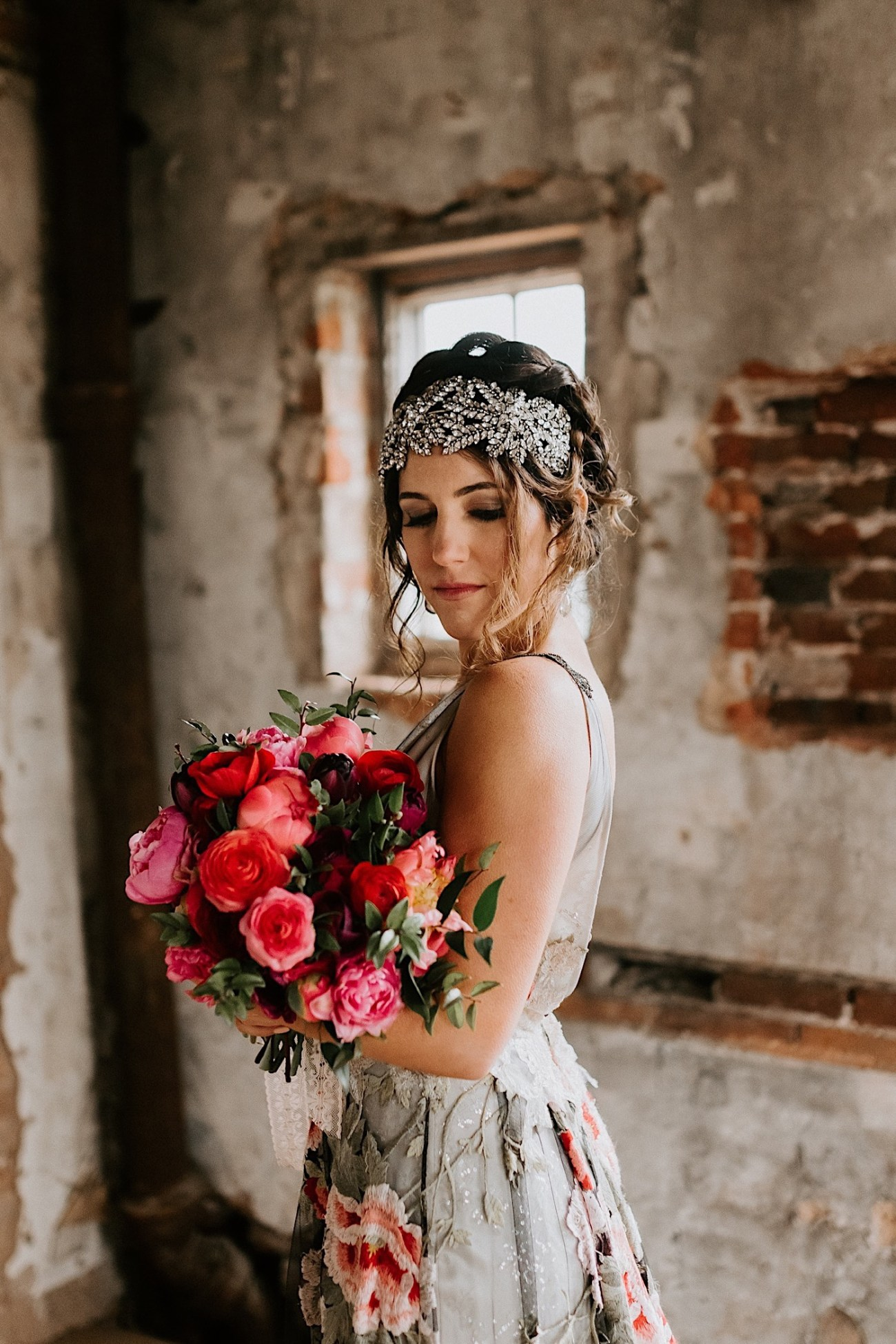 Colorful wedding bouquet. Pink flowers wedding bouquet. Claire Pettibone Wedding dress. Ravena Wedding gown by Claire Pettibone. Black wedding dress inspiration. Philadelphia Wedding Photographer, Philadelphia Wedding Venue, Barnsley Manor Wedding. Anais Possamai Photography