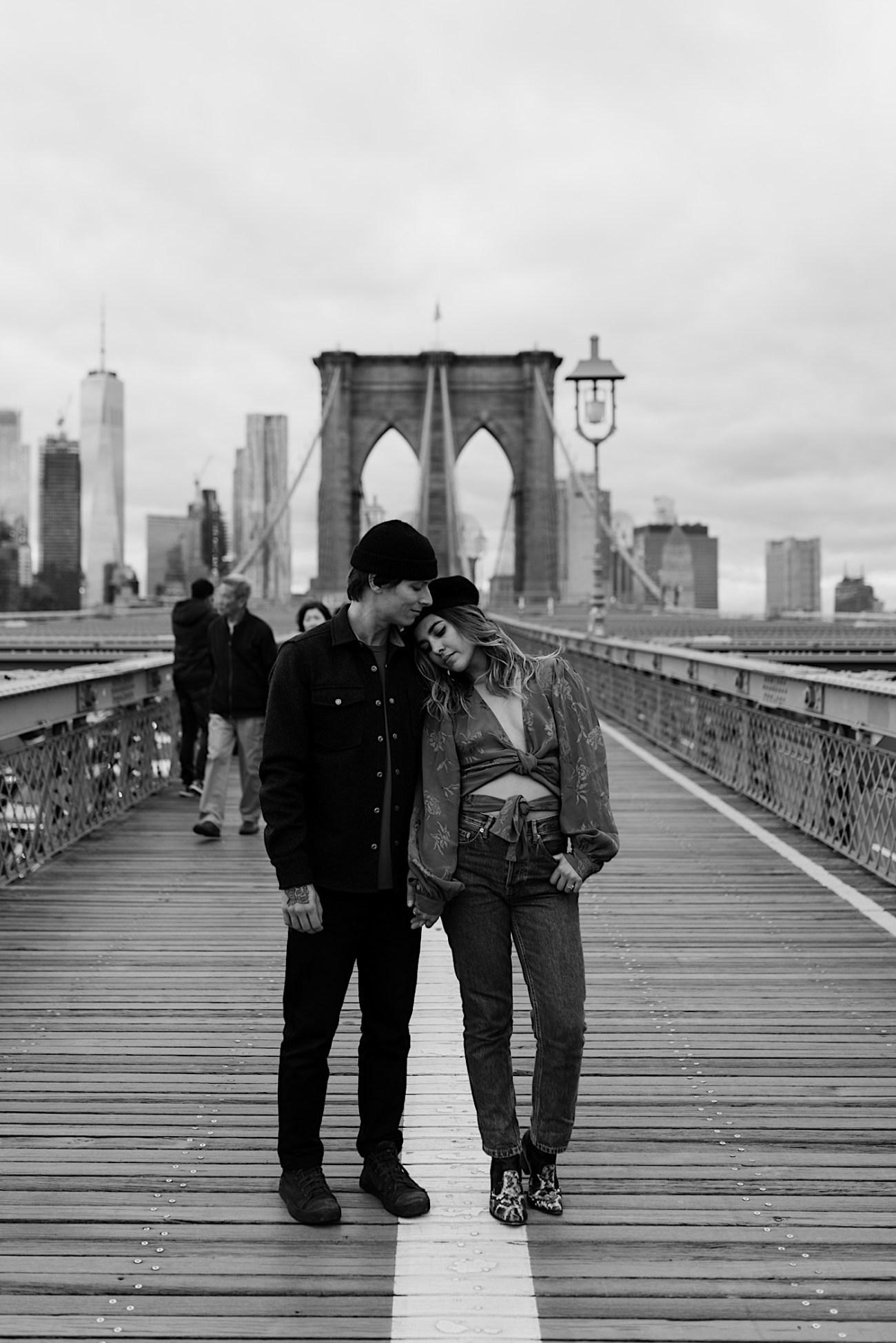 Brooklyn Bridge Engagement Photos Brooklyn Engagement Session 001