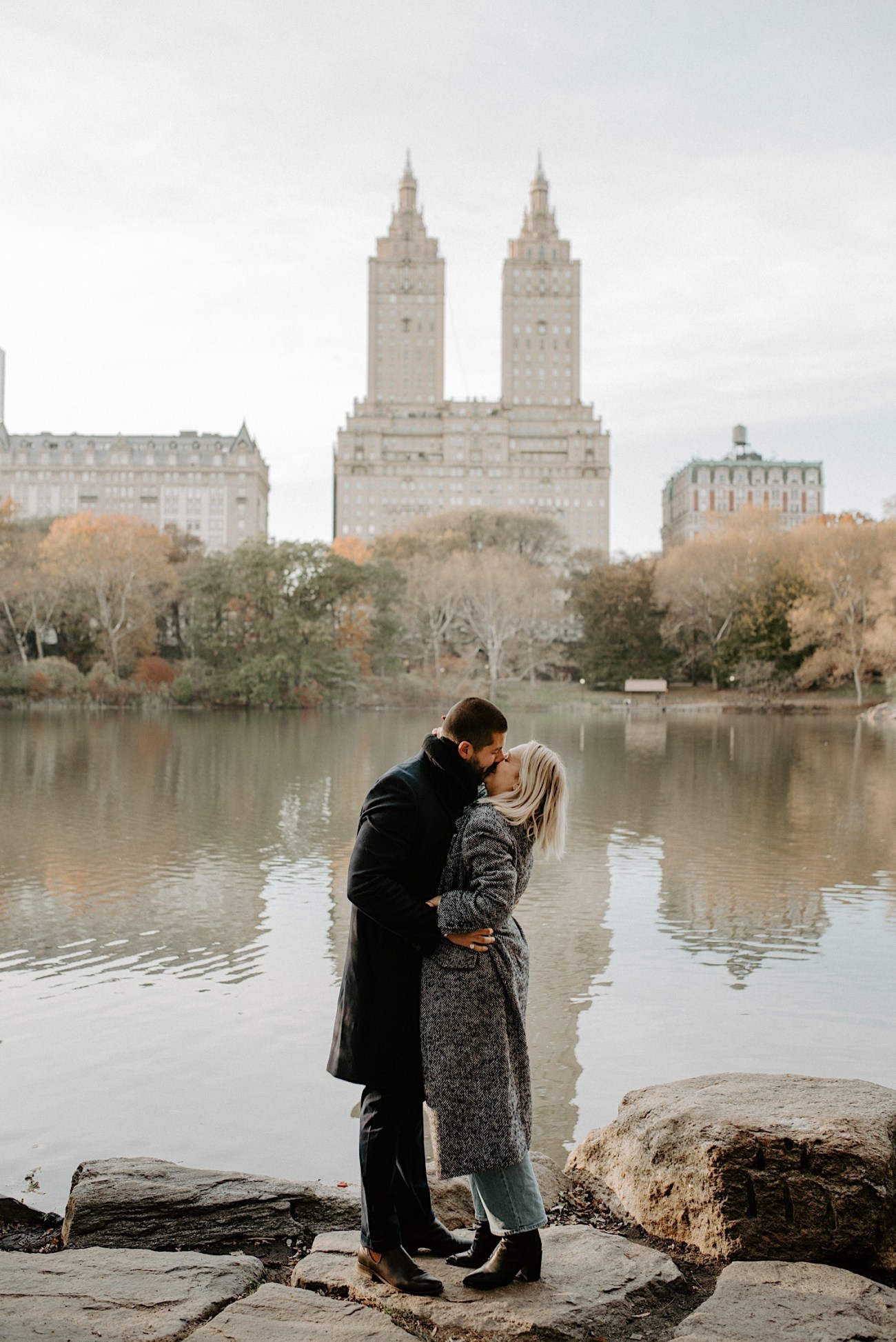 Central Park Engagement Photos Manhattan Engagement NYC Wedding Photographer 04