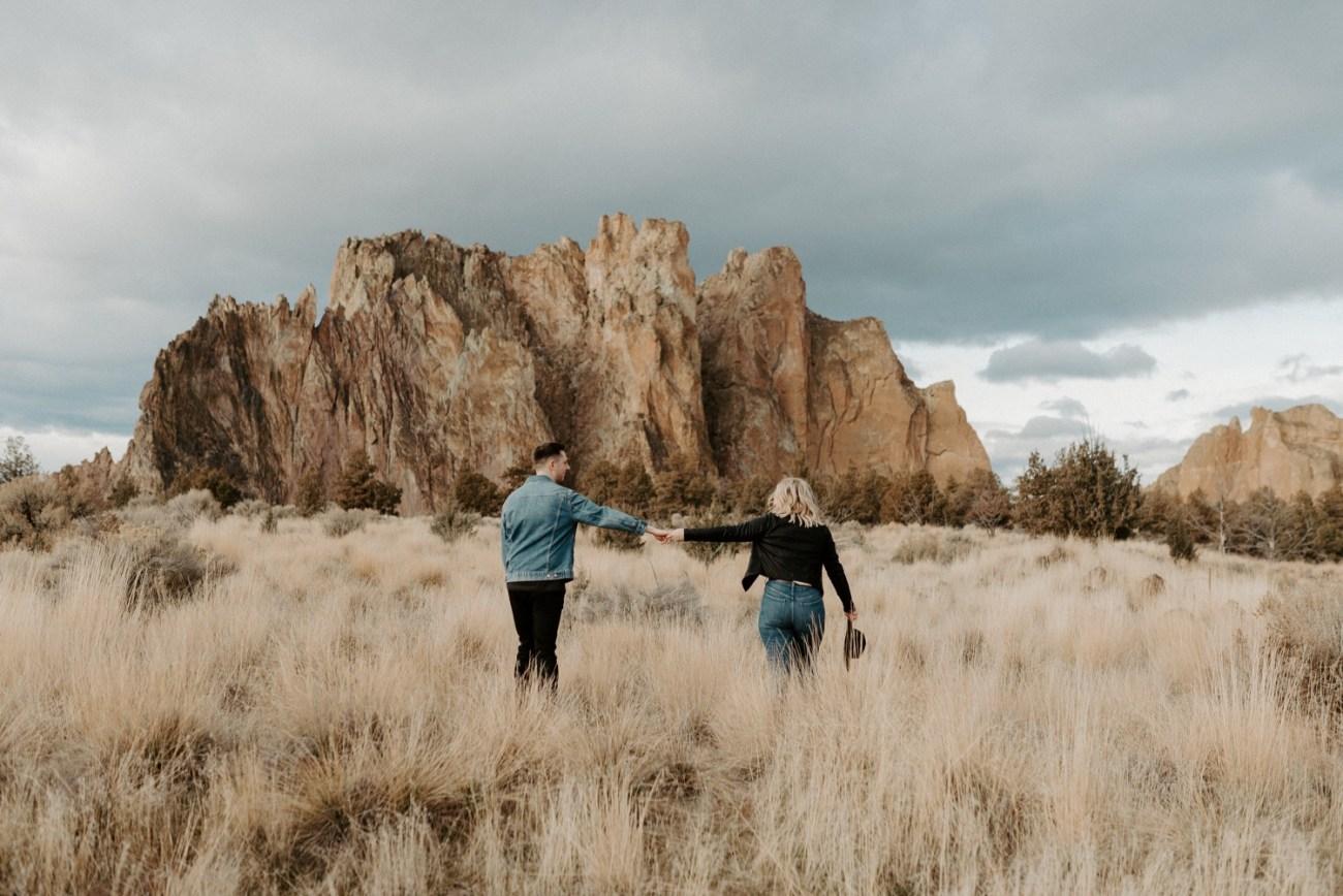 Oregon Smith Rock State Park Couple Session PNW Elopement Photographer Bend Wedding Photographer Portland Wedding Photographer Anais Possamai Photo 017