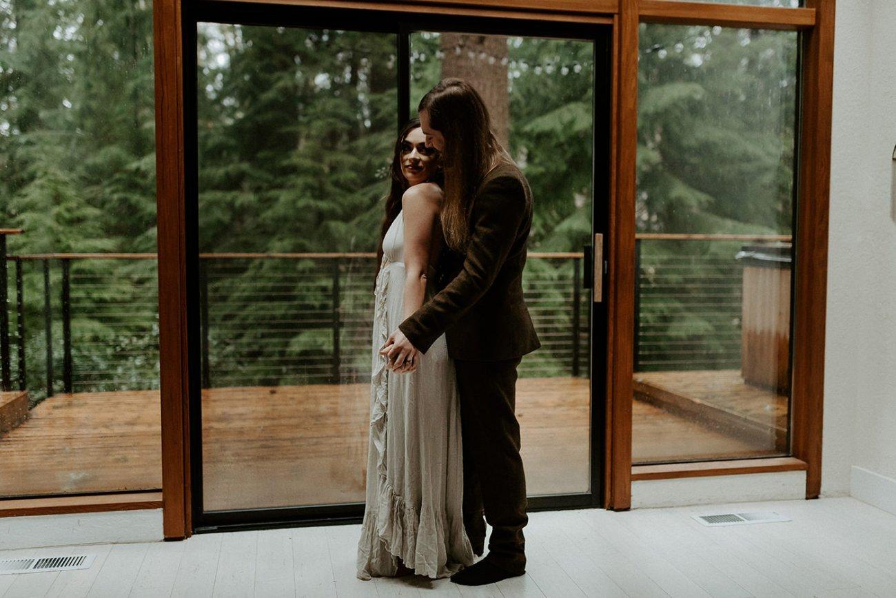The Woodlands House Sandy Oregon Elopement Portland Elopement Photographer PNW Adventurous Elopement Anais Possamai Photography 10