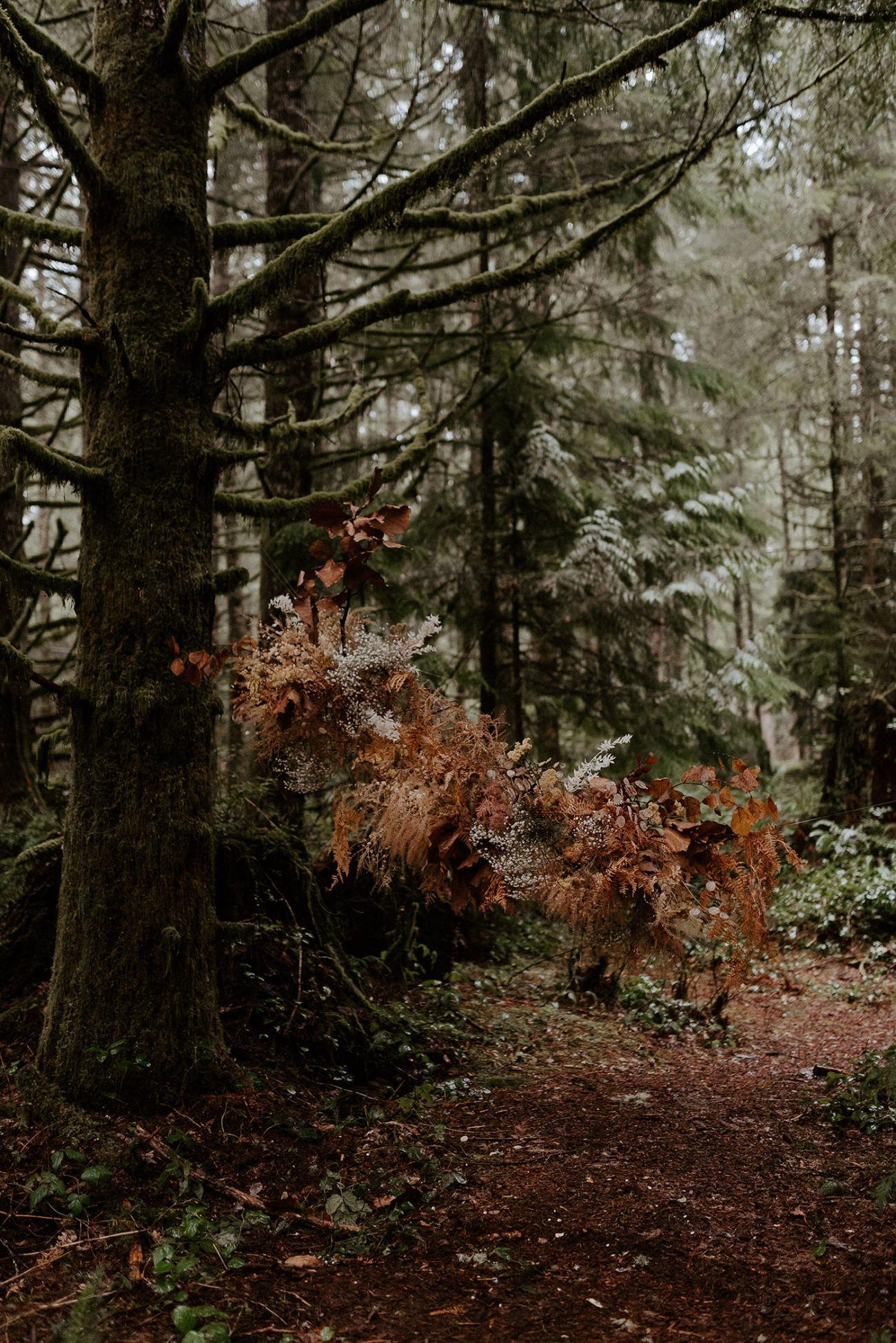 The Woodlands House Sandy Oregon Elopement Portland Elopement Photographer PNW Adventurous Elopement Anais Possamai Photography 56