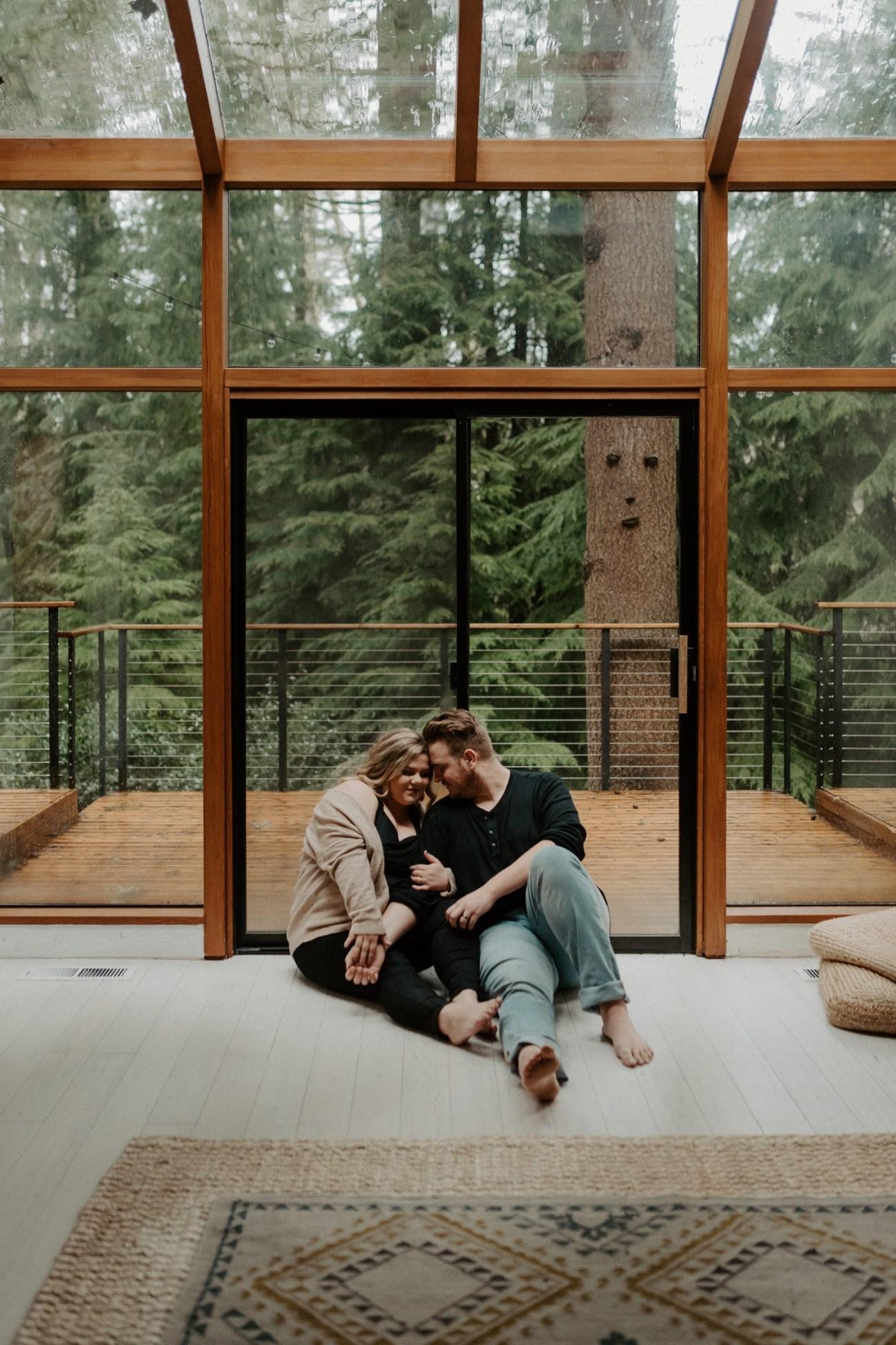 The Woodlands House Sandy Oregon In Home Session Portland Wedding Photographer Portland Elopement Photographer Anais Possamai Photography 023
