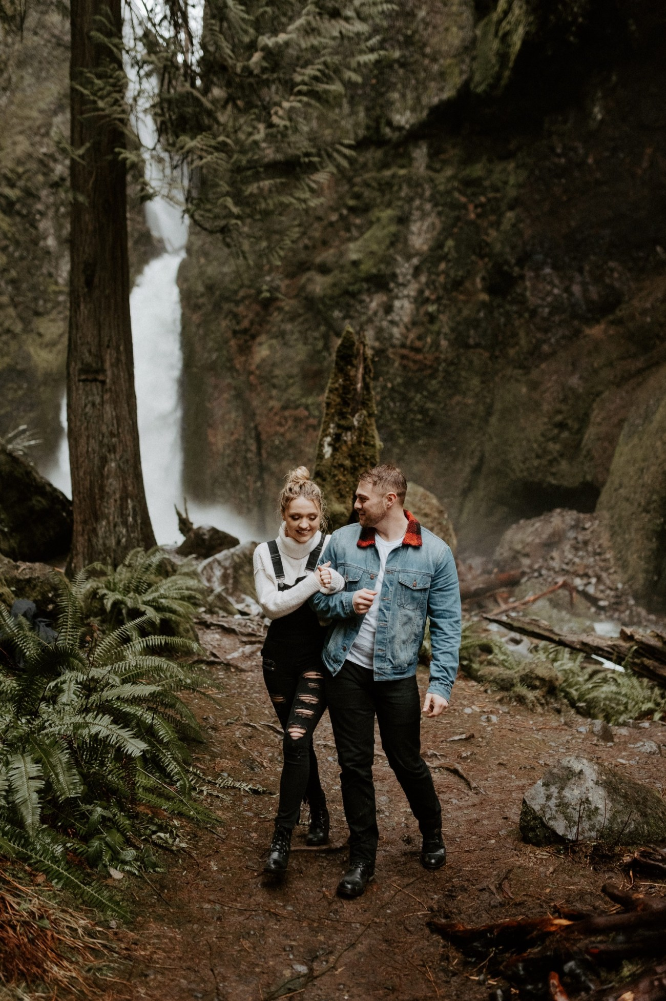 Wahclella Falls Engagement Session Columbia River Gorge Oregon Portland Wedding Photographer PNW Elopement Photographer Bend Wedding Photographer Anais Possamai Photography 047